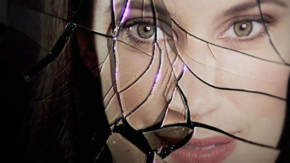 """""""Una donna di plastica"""" di Caterina Moro"""